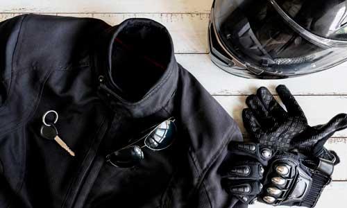 seguro de ropa y casco de motoriasta en Torre del Mar, Axarquía y Vélez-Málaga